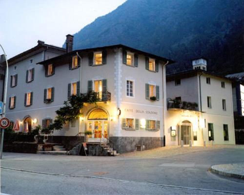 Hotel Pictures: Boutique Hotel Albergo Stazione, Campocologno