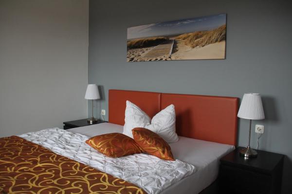 Hotel Pictures: Apartmenthaus Unterwegs, Rostock