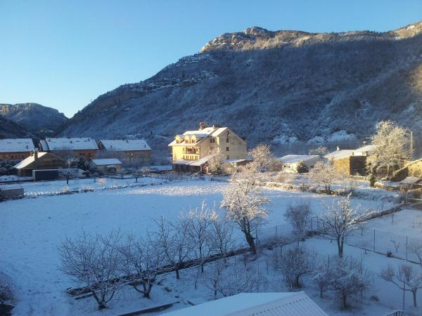 Hotel Pictures: Hotel Cotiella, Campo