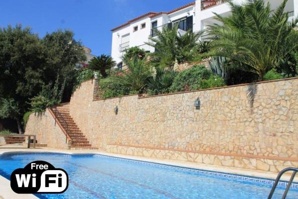 Hotel Pictures: Villa Tesoro, Calonge