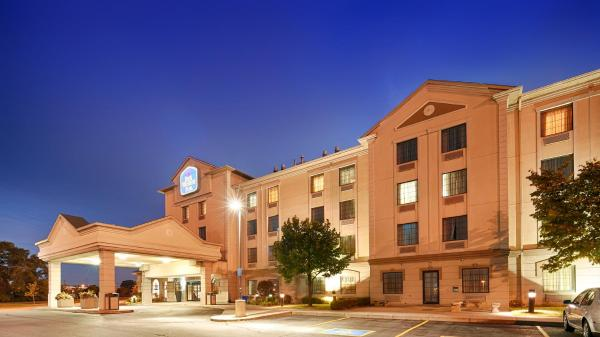 Hotel Pictures: Best Western Plus Executive Inn, Toronto