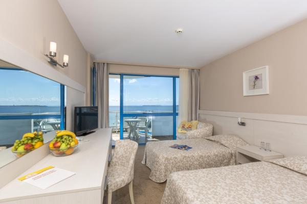 Double or Twin Room with Balcony and Sea View (2 Adults + 1 Child)