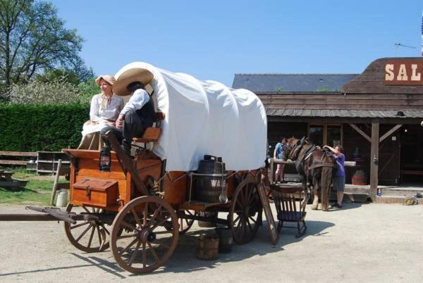 Hotel Pictures: Le Ranch De Calamity Jane, Landévant