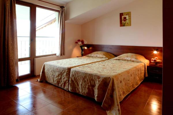 Double or Twin Room with Tzarevets Fortress View