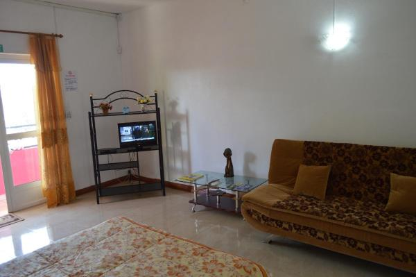 One-Bedroom Apartment with Sofa Bed - 2