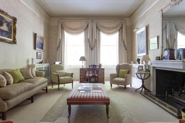 Two-Bedroom Apartment - Courtfield Gardens V