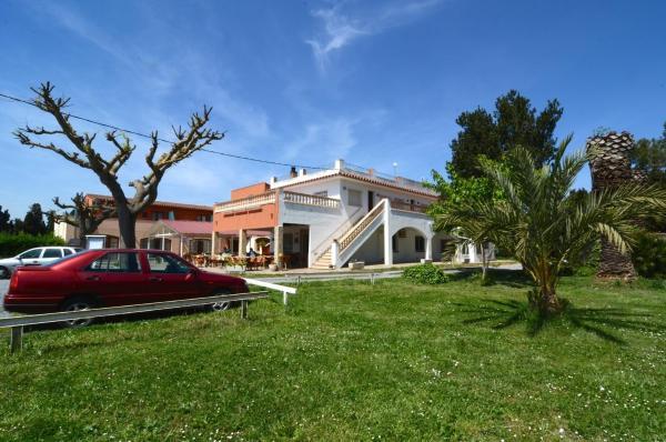 Hotel Pictures: Hostal La Gola, Torroella de Montgrí