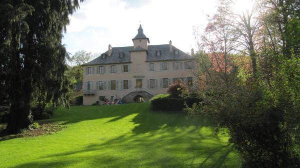 Hotel Pictures: Chambres d'Hôtes Les Tapies, Agen d'Aveyron