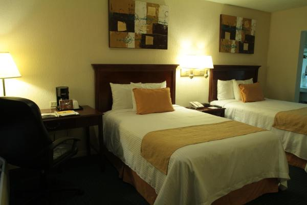 Standard Double Room with Two Double Beds - Smoking