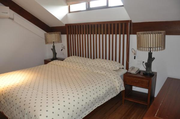 Standard Queen Room with Two Queen Beds (for 4 persons)