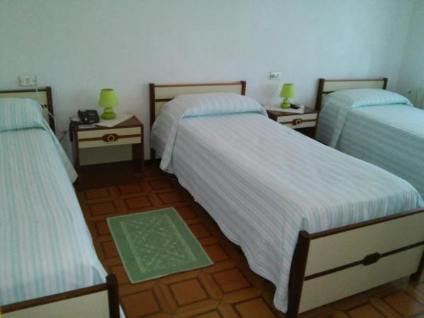 Deluxe Triple Room with Sea View