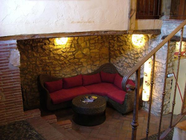 Hotel Pictures: Casa Rural Petita d'en Chinascas, Vespella de Gaià