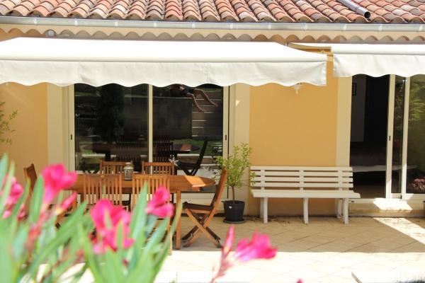 Hotel Pictures: , Vaison-la-Romaine