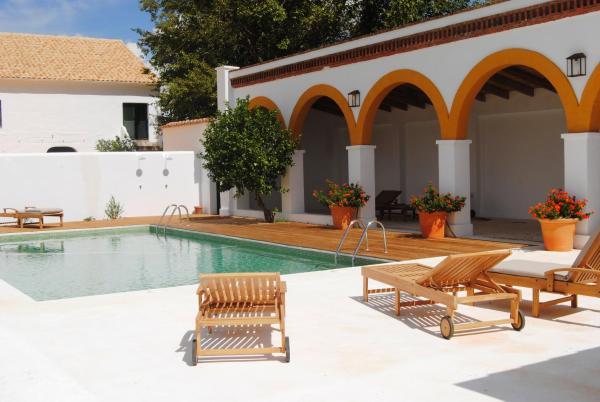 Hotel Pictures: Cortijo de Vega Grande, Llerena