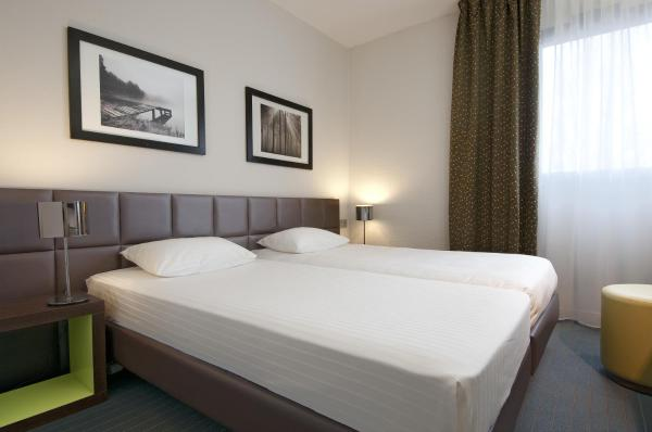 Hotel Pictures: Kyriad Hôtel Orly Aéroport - Athis Mons, Athis-Mons