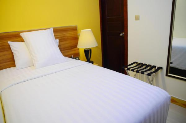 Standard Double Room with Free Airport Pickup