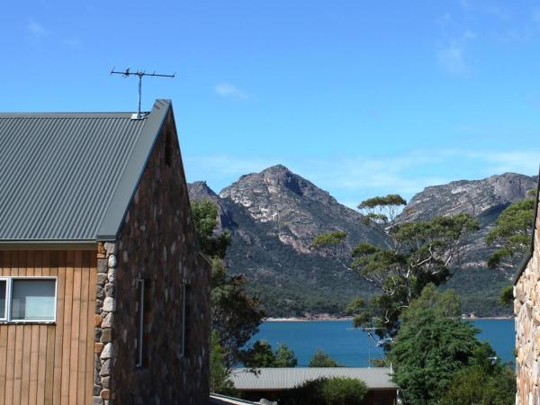 Hotel Pictures: Coles Bay Stone Cottage, Coles Bay