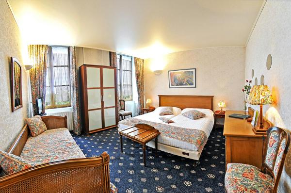 Twin Room with Bath - Loire view