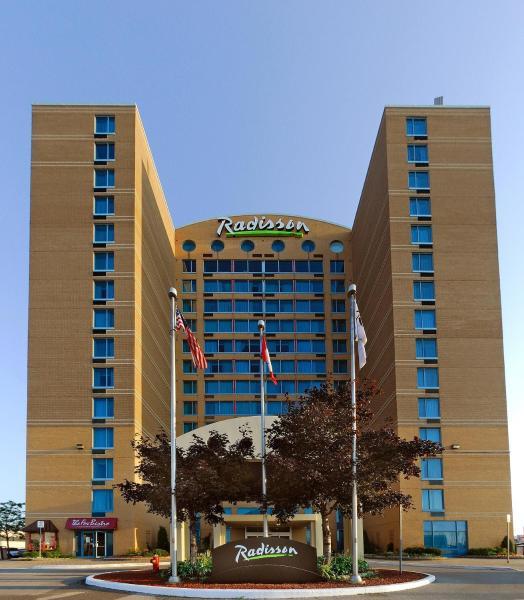 Hotel Pictures: Radisson Suites Hotel Toronto Airport, Toronto