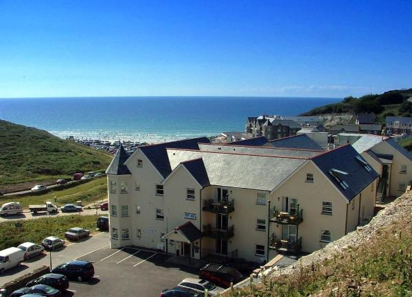 Hotel Pictures: Beachcombers Apartments, Newquay