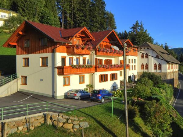 Hotelbilleder: Frühstückspension Götzfried-Hof, Millstatt