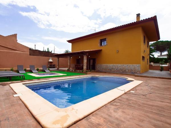 Hotel Pictures: Villa Mont-Roig, Vallcanera