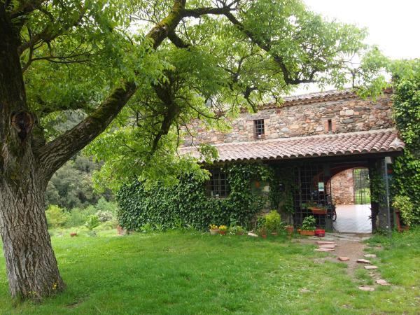 Hotel Pictures: Albergue Casanova de Sant Miquel, Aiguafreda