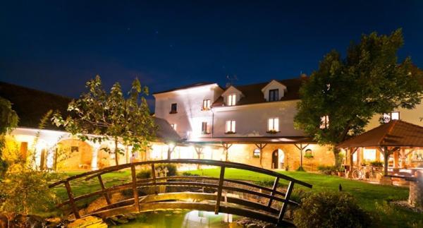 Hotel Pictures: Villa Daniela, Úvaly