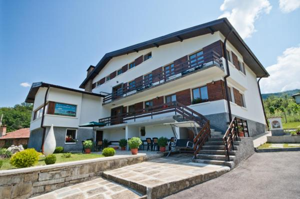 Hotel Pictures: Guest House Balkanski Kat, Gabrovo
