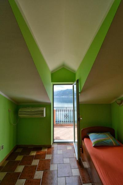 Duplex Apartment with Balcony and Sea View