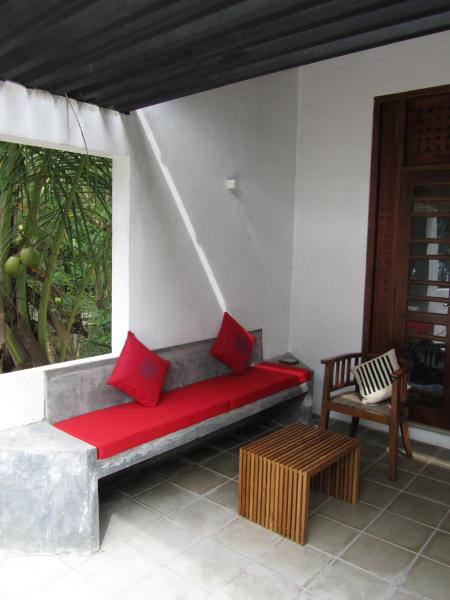 Superior Triple Room with Sea View (Room 01)