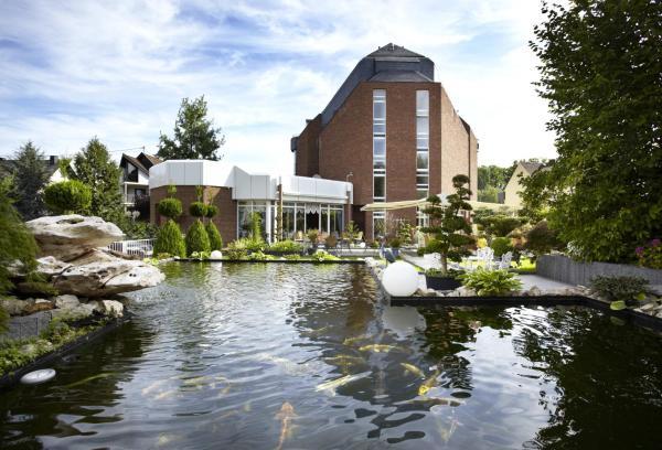 Hotel Pictures: Rheinhotel Larus, Kaltenengers