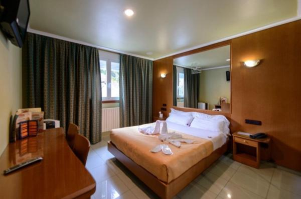 Hotel Pictures: , Os Fornos