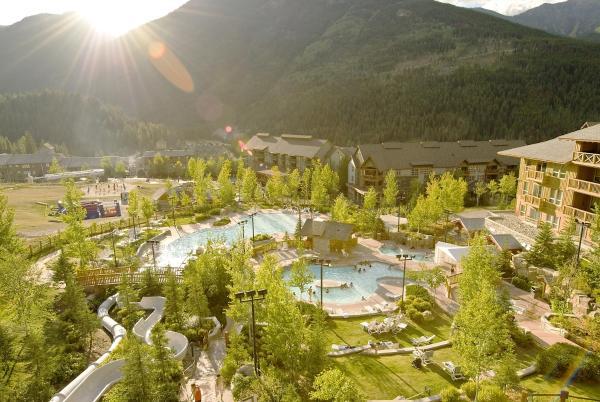 Hotel Pictures: Panorama Mountain Resort - Upper Village Condos, Panorama