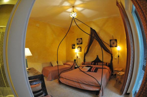 Triple Room with Beach Access