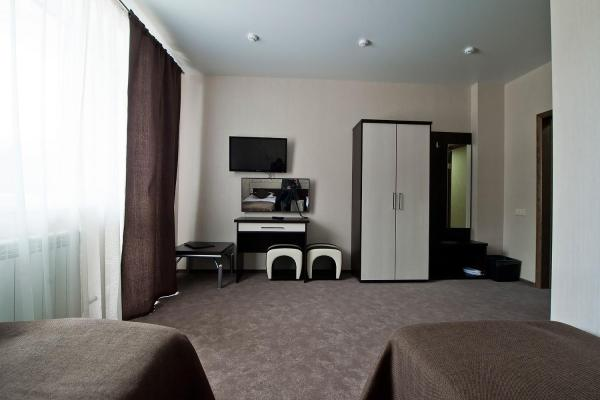 Twin Room with Air-Conditioning