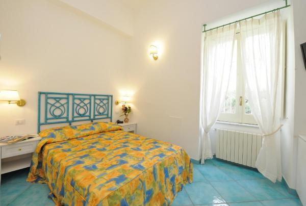 Economy Double Room with Courtyard view