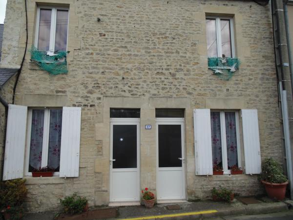 Hotel Pictures: Maison en Pierre, Port-en-Bessin-Huppain