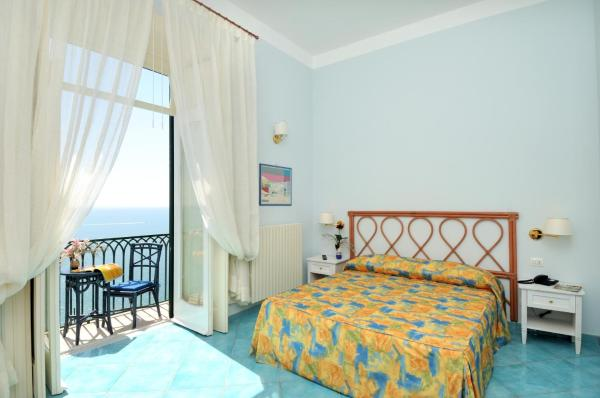 Superior Quadruple Room with Balcony and Sea View