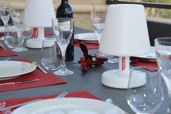Hotel Pictures: Appart Duplex Laennec, Nîmes