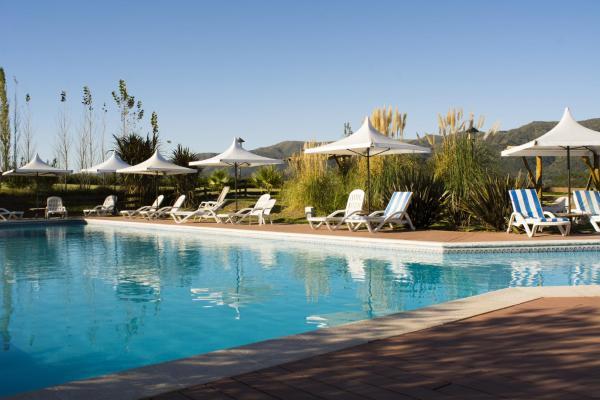 Hotel Pictures: Chamonix Posada & Spa, Villa General Belgrano