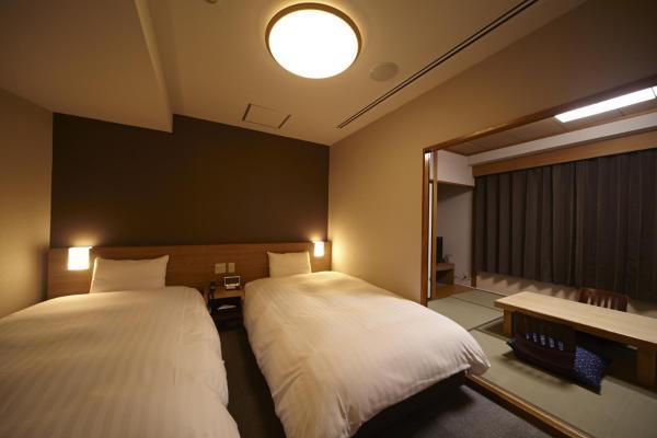 Family Room with Tatami Area - Non-Smoking