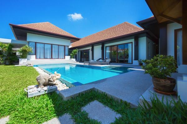 Fotos de l'hotel: Villa Iorangi by TropicLook: Suksan Style Rawai Beach, Rawai Beach