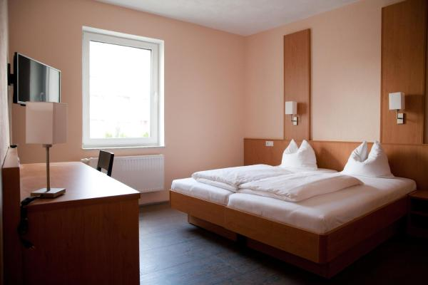 Hotel Pictures: Apartmenthaus Wesertor, Kassel