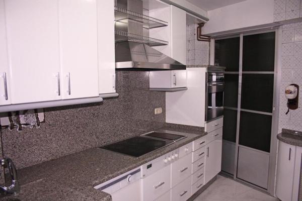 Hotel Pictures: Ideal Familias Apartment, Milladoiro