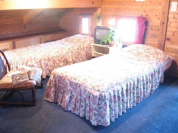 Triple Room with Shared Bathroom - Non-Smoking