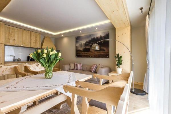 Apartment with Terrace - S
