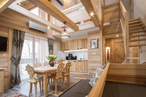 Apartment with Balcony - J