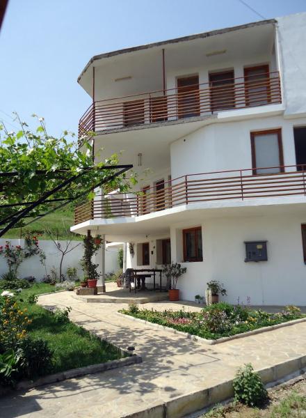 酒店图片: Petrovi Guest House, 奥布佐尔