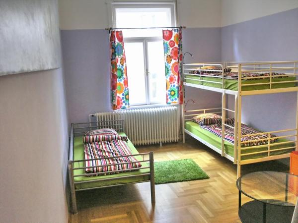 Quintuple Room with Shared Bathroom